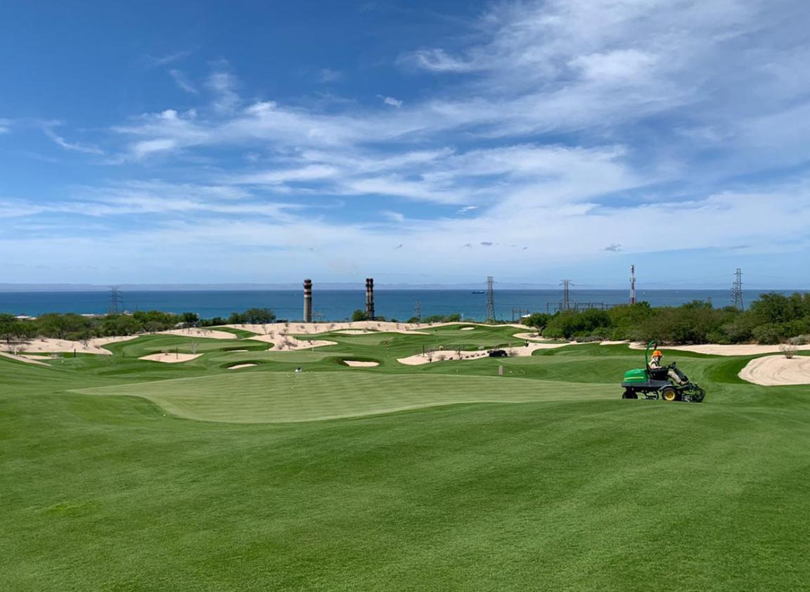 Golf Course - Agustín Pizá